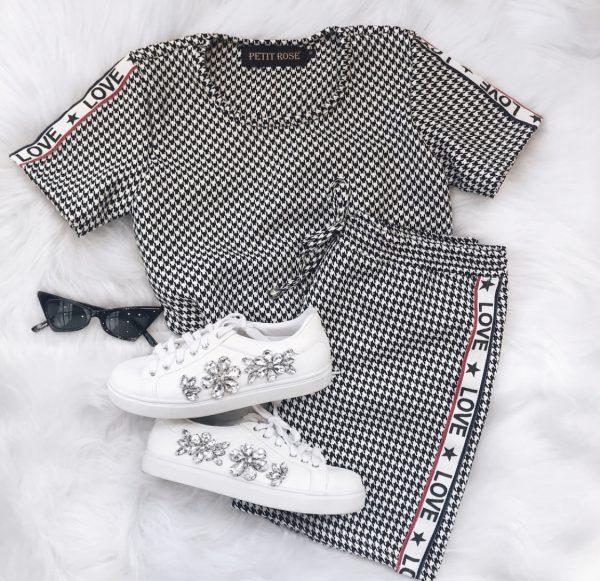 Conjunto T-shirt + Saia Tweed Pequeno Faixa Love