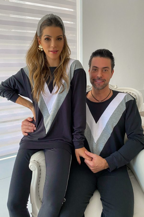 Pijama Moletinho Love Is Now Tricolor Com Faixas Feminino