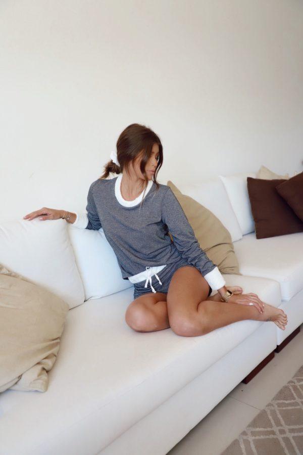 Pijama Preto E Off Detalhes Em Pelo