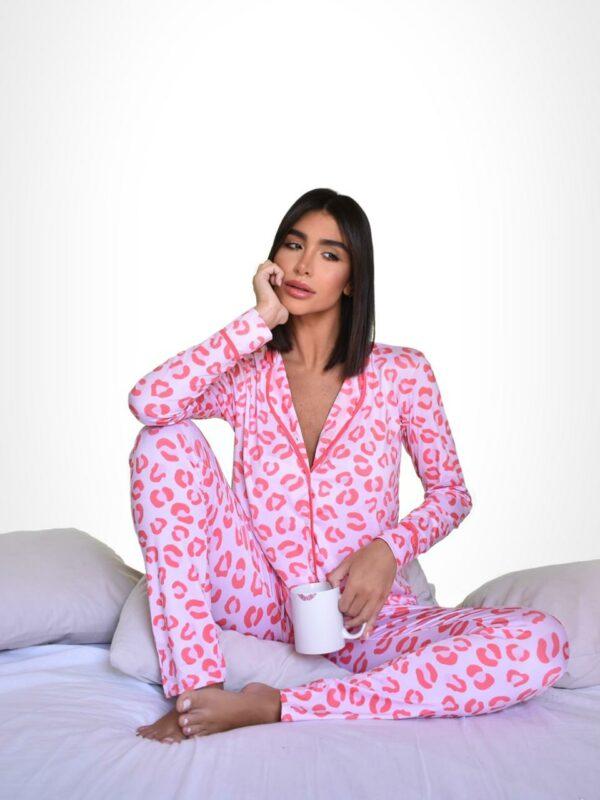 Pijama Animal Print Friso Versão Calça